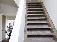 Restyle XL maakt van duurzame houtsoorten een interieur op maat, waarin al uw woonwensen samenkomen. Oud hout geeft een eigentijds sfeervol design.