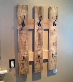 Small pallet wood projects pallet that are easy to make and sell pallet coat rack home . small pallet wood projects home