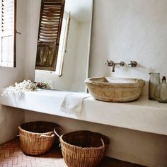 "275 Likes, 4 Comments - watertiger (@watertiger_) on Instagram: ""Bathroom insp 🙌. #rattanbaskets #woodenbasin #viapinterest"""