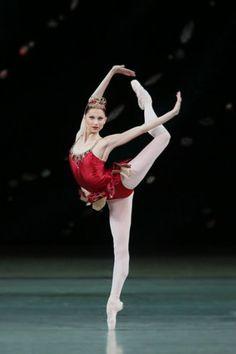 Oksana Shorik  Bailarina