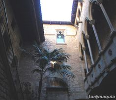 Museu Picasso - Barcelona by Turomaquia, via Flickr