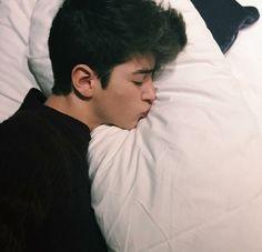 Image de boy, sleep, and pillow