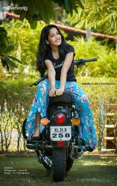 New motorcycle photography women beauty ideas - Beautiful Food Photography + Styling - Motorrad Beautiful Girl Indian, Most Beautiful Indian Actress, Young And Beautiful, Beautiful Babies, Stylish Girl Images, Stylish Girl Pic, Beauty Full Girl, Beauty Women, Girl Pictures