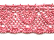 Lacy edging, free pattern   . . . .   ღTrish W ~ http://www.pinterest.com/trishw/  . . . .   #crochet