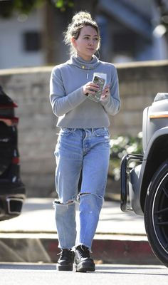 Mom Outfits, Winter Outfits, Cute Outfits, Fashion Outfits, Hilary Duff Style, Fall Capsule Wardrobe, Rachel Bilson, Kendall Jenner Outfits, Victoria Dress