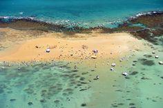 A Areia Vermelha é uma ilha com 1,5km de extensão no município de Cabedelo, região metropolitana de João Pessoa