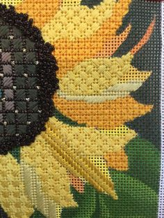 needlepoint sunflower, designer unknown - Crafting Tipsneedlepoint sunflower by Dede Designsneedlepoint sunflower, it's so prettyFebruary 2017 - Page 29 of 205 - Crafting Tips Bargello Needlepoint, Needlepoint Stitches, Needlepoint Canvases, Needlework, Cross Stitching, Cross Stitch Embroidery, Hand Embroidery, Machine Embroidery, Plastic Canvas Stitches