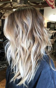 46 beautiful balayage hair color ideas for blonde short straight hair - Long Bob Frisuren Blonde Balayage Mid Length, Balayage Blond, Hair Color Balayage, Hair Highlights, Mid Length Blonde Hair, Wedding Highlights, Dark Blonde, Color Highlights, Winter Hairstyles