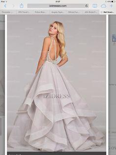 Rear handkerchief wedding dress