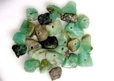 EMERALD BEAD UNTREATED DRILLED 26 PCS 40 CTS  NP-1399  GREEN, EMERALD NATURAL GEMSTONE BEADS, GEMSTONE CARVING FROM GEMROCKAUCTIONS