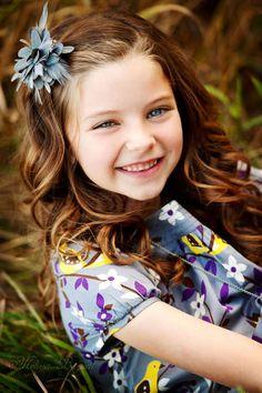 Ser criança é o que há de mais sagrado. É um rir despreocupado, é um olhar puro e inocente. Que bom seria voltar a ser criança novamente. Sentir a paz e a alegria de ser um anjo. Marisa Munaretto Amaral