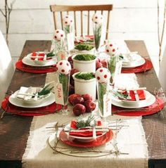 Check out this beautiful Christmas dining table! Thanks for sharing blogger Deb!