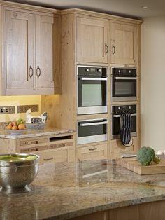 Catspaw Oak Kitchen by Aspect Kitchens, Surrey Oak Cabinets, Kitchen Cabinets, Kitchen Dining, Kitchen Wood, Kitchen Ideas, Best Kitchen Colors, Luxury Kitchen Design, Kitchen Pictures, Kitchen Interior