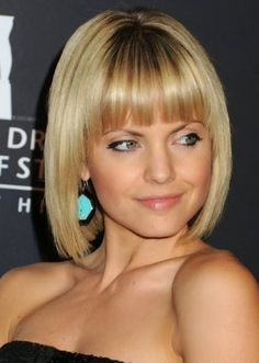 Center-parted Medium Curly Layered Hairstyle Short-Bob-with-Blunt