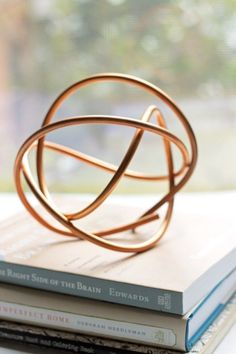 These projects using copper wire, copper tape, or copper paint are a cool way to incorporate this hot trend in your home. Copper Wire Crafts, Copper Wire Art, Copper Paint, Copper Decor, Metal Crafts, Copper Lamps, Copper Jewelry, Wire Jewelry, Jewellery