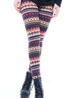 Consejos para combinar leggins y botas: fotos ejemplos - Leggins étnicos y botines negros
