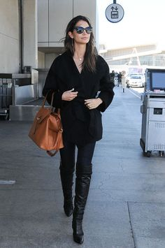 Lily Aldridge travel outfit