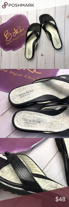 786fec8f7c6a47 Taryn Rose Black Leather Sandals Sz 7 The perfect pair for any closet!  These EUC Taryn Rose thong sandals are constructed for comfort and style.