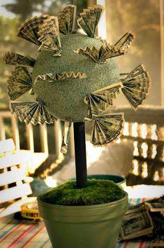 How to Make Money Tree Gift Ideas Birthday Money, Diy Birthday, Birthday Gifts, Money Lei, Money Origami, Money Cake, Craft Gifts, Diy Gifts, Money Bouquet