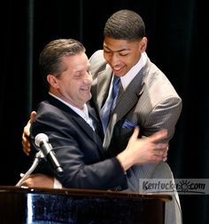 Photo Gallery: Anthony Davis receives Rupp Trophy
