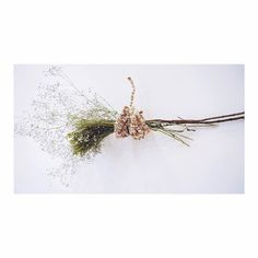 Floral arrangement #handmade by elee worldwide shipping . . . . .  #weaving #creative  #art #elee #fiberart #textile #artobject #art #handmade #nplusn #softandstrong  #weave #unique #cute #analog  #contemporaryart #artist #artsy #instaart #beautiful #instagood #flowers #masterpiece #photooftheday #instaartist #artoftheday #weddinginspiration #weddingflowers #bridesmaid