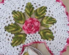 Jogo de banheiro de crochê 4 peças R$ 220,00