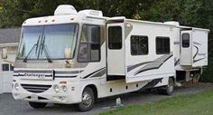 2006 Used Damon Challenger 372 Class A in Virginia VA.Recreational Vehicle, rv, 2006 Damon Challenger 372, A very clean 2005.5 Damon Challenger 372 with,, 3 Slide Outs, 5.5KW Generator, New Tires, New Shocks, Roof Mounted Satellite Dish, Rear Sway Bar, Center Kitchen, Center Living Room, Dual Ducted AC, Electric Step, Electric Water Heater, Fiberglass Exterior, Dinette, Microwave, Rear Queen Bed, Recliner Chair, Single Door Refrigerator, Split Bath w/Shower, Walk-Thru Bath, New Jackknife…