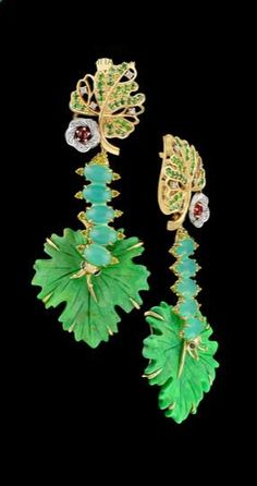 Master Exclusive Jewellery, collection World of Insects, caterpillar and leaf ear pendants