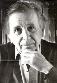 Vicente Leñero (1933-2014) was a Mexican novelist, journalist, and playwright. He has written numerous books, stories, and plays, including a theatrical adaptation of Oscar Lewis's The Children of Sanchez. He was awarded the Premio Xavier Villaurrutia in 2001, and the following year he received the Premio Nacional de Ciencias y Artes de México (National Prize of Arts and Sciences) for literature and linguistics.