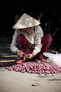 Marché de rue vietnamien Vietnam #visitevietnam #voyage #voyages #vietnam #vietnamiens #instavietnam #vietnamese #ilovevietnam #vietnamtravel #travelphotography #travelphotographer #photography #travelvietnam #vietnamtrip #vietnamlife #vietnamtour