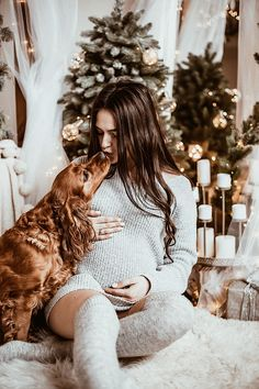 Funny Maternity Pictures, Winter Maternity Photos, Fall Maternity, Pregnancy Pictures, Christmas Pregnancy Photos, Pretty Pregnant, Maternity Photography Poses, Future Mom, Foto Baby