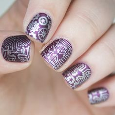 WHOA. So cool.   The Nailasaurus | UK Nail Art Blog: Short Circuit