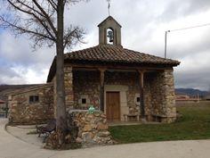 Ando en la ermita de San Antonio de Lugán.