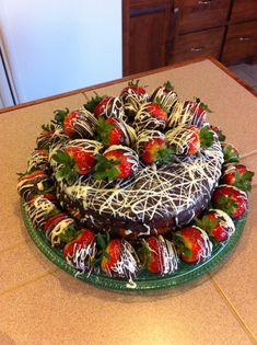 This would be a super yummy birthday cake!!! Chocolate Covered Strawberry Cake