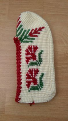 Teachers Pet, Knitted Slippers, Tunisian Crochet, Nail Designs, Cross Stitch, Socks, Fuzzy Slippers, Crochet Flowers, Shoes