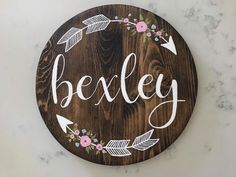 Nursery Artwork Painted on Wood Nursery Artwork, Nursery Paintings, Painting On Wood, Murals, Decorative Plates, Projects, Diy, Home Decor, Log Projects