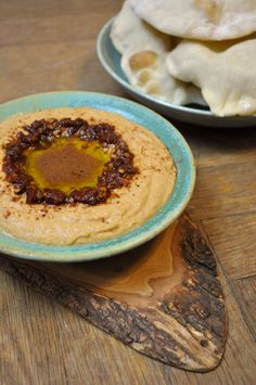 chipotle hummus-- good use for those chipotle peppers I always have around. (VG, GF)