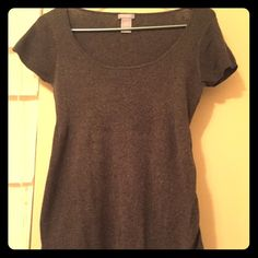 Grey maternity short sleeve top Light sweater, casual but cute for work also. GAP Sweaters Crew & Scoop Necks