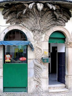 Palm Tree entry by Arnim Schulz Photo D'architecture, Places To Travel, Places To Visit, World Street, Amazing Street Art, Portugal Travel, Famous Places, Most Beautiful Cities, Travel Memories