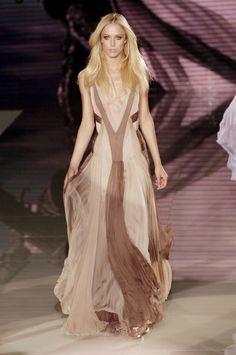 Versace Spring/Summer 2006 - Milan  Model: Raquel Zimmermann