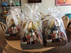 Gift Baskets, Gift Wrapping, Gifts, Paper Wrapping, Wrapping Gifts, Gift Packaging, Favors, Presents, Gift Basket