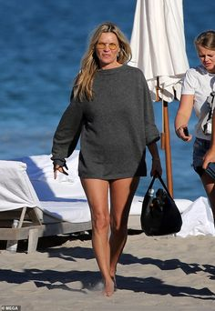 Kate Moss, shows off her figure in black strapless swimsuit on the beach in Miami Celebrity Dresses, Celebrity Style, Moss Fashion, Kate Moss Style, Queen Kate, Strapless Swimsuit, Original Supermodels, Online Dress Shopping, Shopping Sites