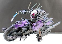 HG Grimoire 'Predator' Rider - Custom Build Modeled by sary Gunpla Custom, Custom Gundam, Gundam Mobile Suit, Gundam Wing, Sketches Tutorial, Frame Arms, Suit Of Armor, Gundam Model, Designer Toys