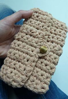 Crochet Purse Recycled T-Shirt https://www.facebook.com/hilaria.fina