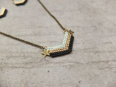 Collier graphique chic chevrons Miyuki : Collier par my-french-touch