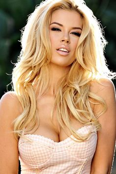 Sexy playful youthful sunlight blonde in long soft teasing bombshell waves- Lacy