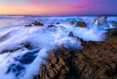 BEAUTIFUL OCEAN WAVES CRASHING ON SHORE.