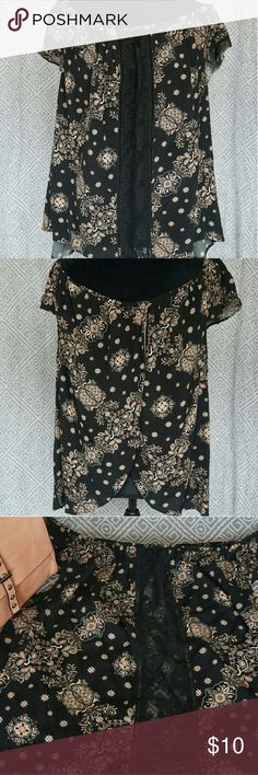 Off the shoulder blouse Off the shoulder, open tulip back, lace panel on front. In good condition Forever 21 Tops