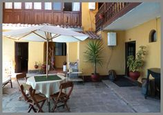 Hostal Quipu: Great location near Plaza Armas in Cusco. $36 (!!!) for triple room. Free wi-fi.