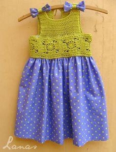 """Bom dia pessoal,achei estas palinhas de crochet super bonitas, fica a dica para inspiração para quem quiser crochetar para princesas.Achada... [   """"(Crochet) And here is the third and final dress for my friend's daughter (check the first two here: SummerDress , in bright pink ; S..."""",   """"Sidney Crafts: palinhas to crochet dress."""",   """"Polka-Dot Dress - Ana BC"""",   """"pixels"""" ] # # #Crochet #Sum, # #Crochet #Hilo, # #Girly #Crochet, # #Crochet #Fabric, # #Baby #Crochet,<br..."""
